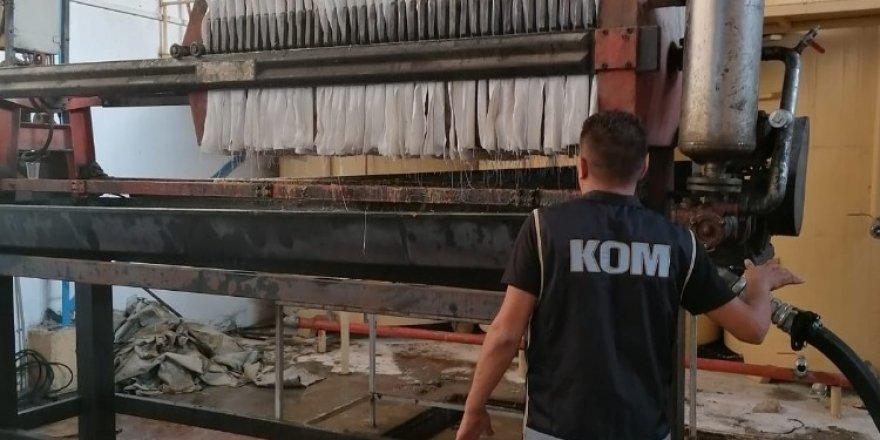 Kemalpaşa'da 109 ton kaçak akaryakıt ele geçirildi