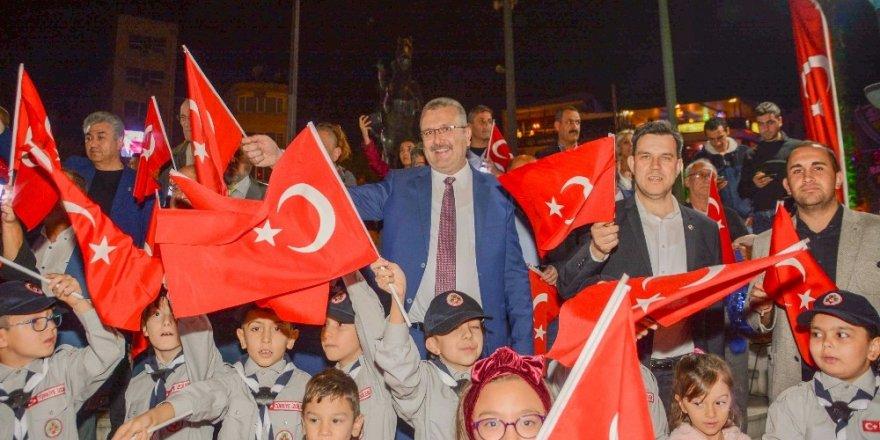 Binlerce Karacabeyli Mehmetçiğe destek için selam duracak
