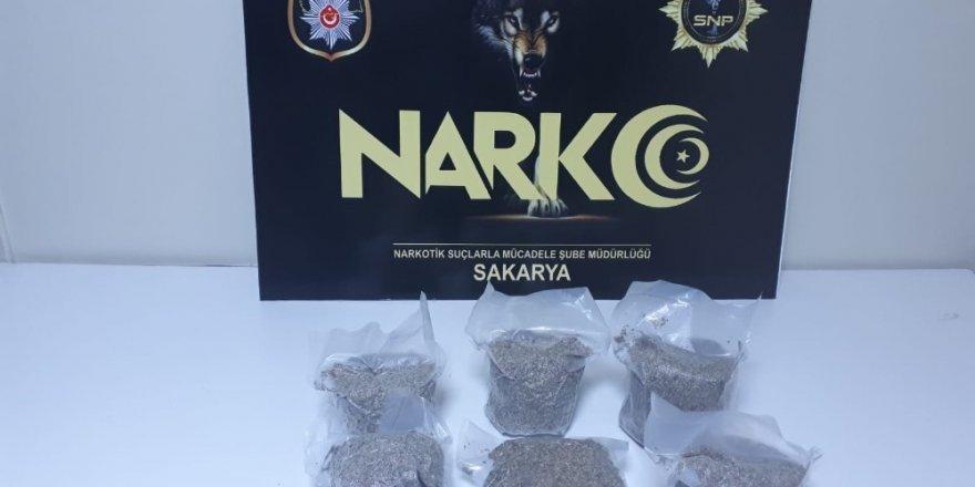 Sakarya'da uyuşturucu operasyonu: 3 tutuklama