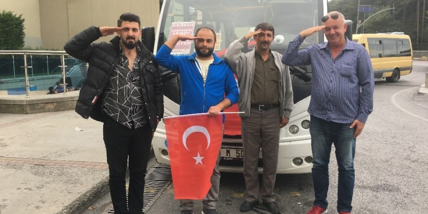Sarıyerli minibüsçülerden Barış Pınarı Harekatı'na destek