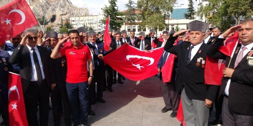 Gazilerden asker selamı