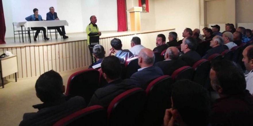 Taşımalı hizmet veren şoförlere seminer