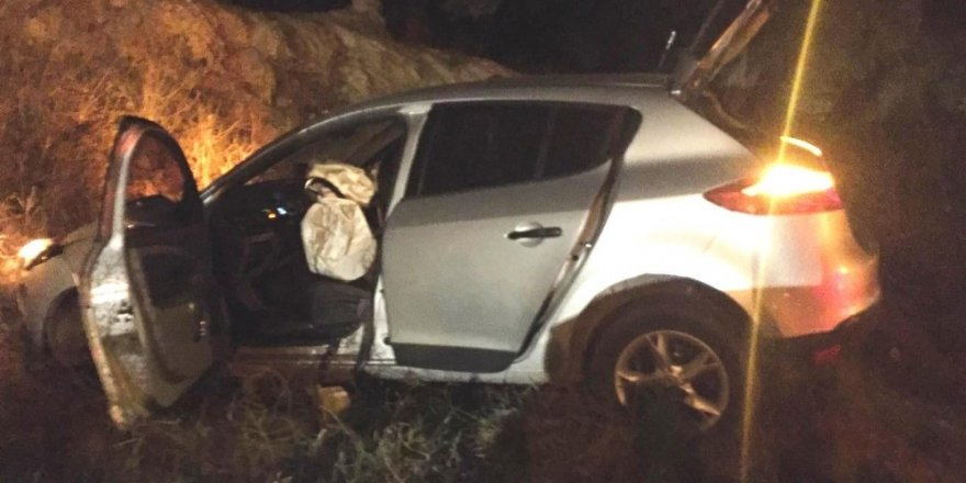 Uyuşturucu tacirleri polisten kaçmaya çalışırken kaza yaptı