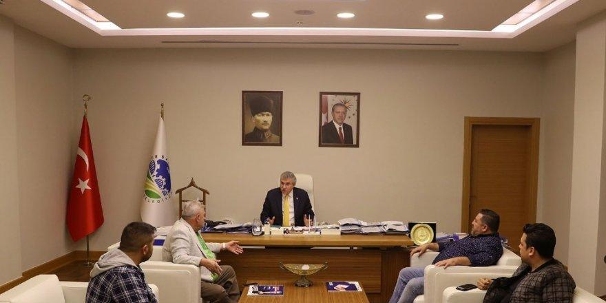 """Başkan Yüce: """"Kişilerin ve yönetimlerin değil, sadece Sakaryaspor'un yanındayım"""""""