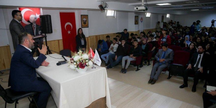 Başkan Ercan gençlerle projelerini paylaştı