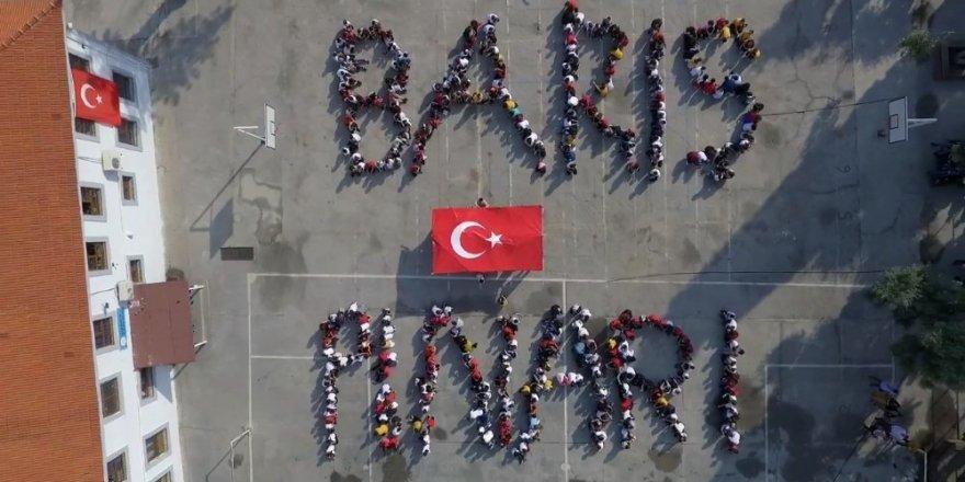 Milaslı öğrencilerden Barış Pınarı Harekatı'na videolu destek