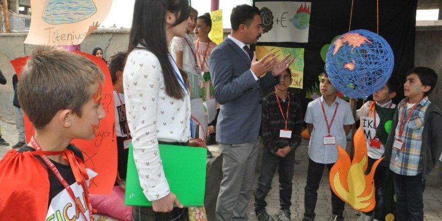 Yüksekova'da 'Doğa İçin Çiz' etkinliği