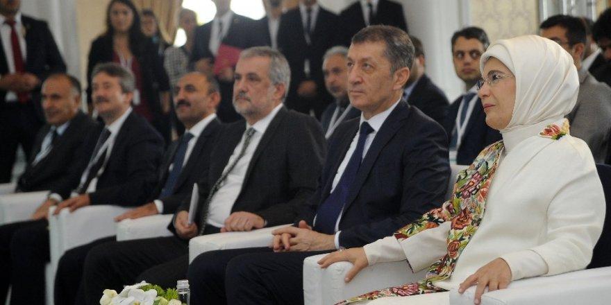 """Emine Erdoğan: """"3 yılda 280 bin çocuğumuza sıfır atık eğitimi verilmesi hedefleniyor"""""""