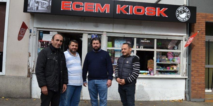 Terör yandaşlarının saldırısına uğrayan, Türk esnafa destek