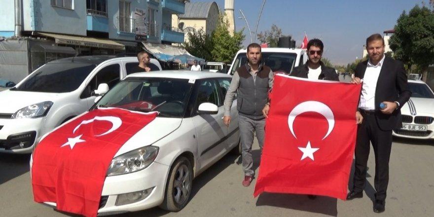 Muş'tan 'Barış Pınarı Harekatı'na kortejli destek