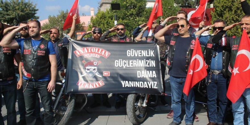 Uşak Türk bayrağı asılı motor sesleriyle yankılandı