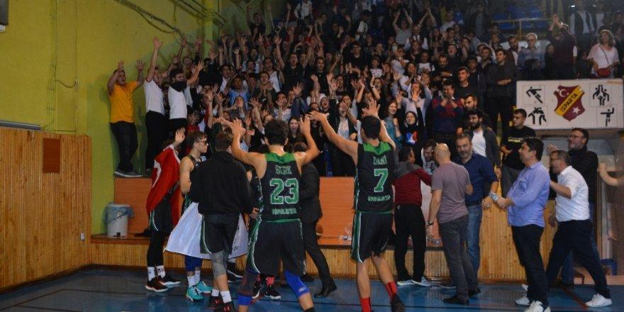 Isparta'da Cumhuriyet Kupası'nın sahibi belli oldu