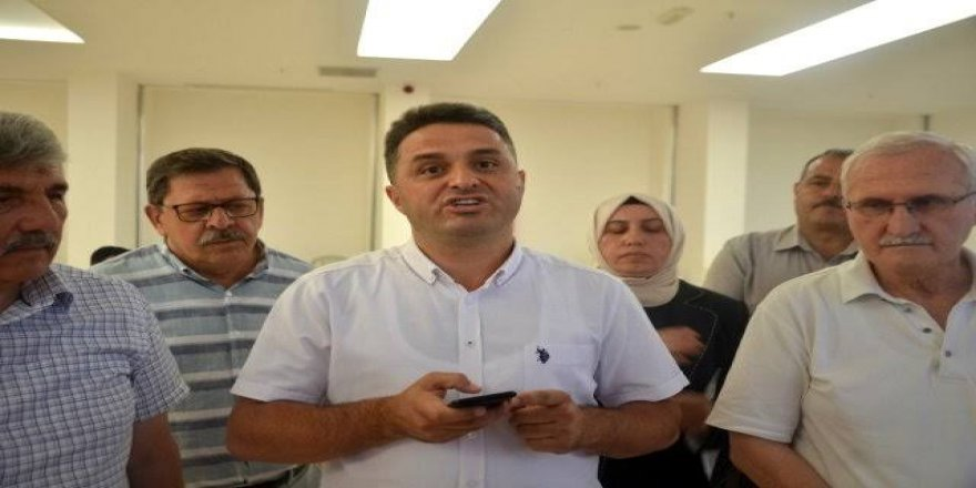 AK Parti'den Başkan Şahin'e 'Seyyah Başkan' eleştirisi