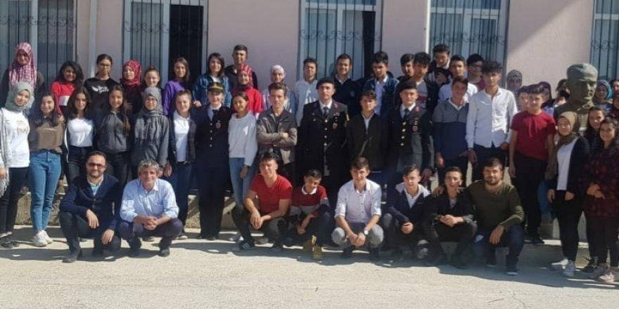 Lise öğrencilerine jandarma tanıtıldı