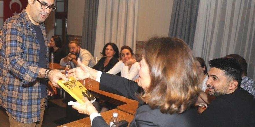 Enver Aysever ile 'yazı akademisi'nin ilk dönemi başladı