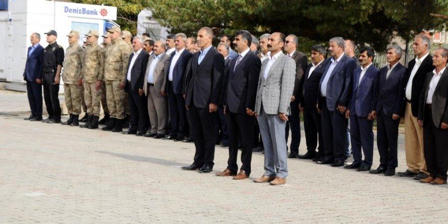 Muradiye'de 19 Ekim Muhtarlar Günü kutlandı