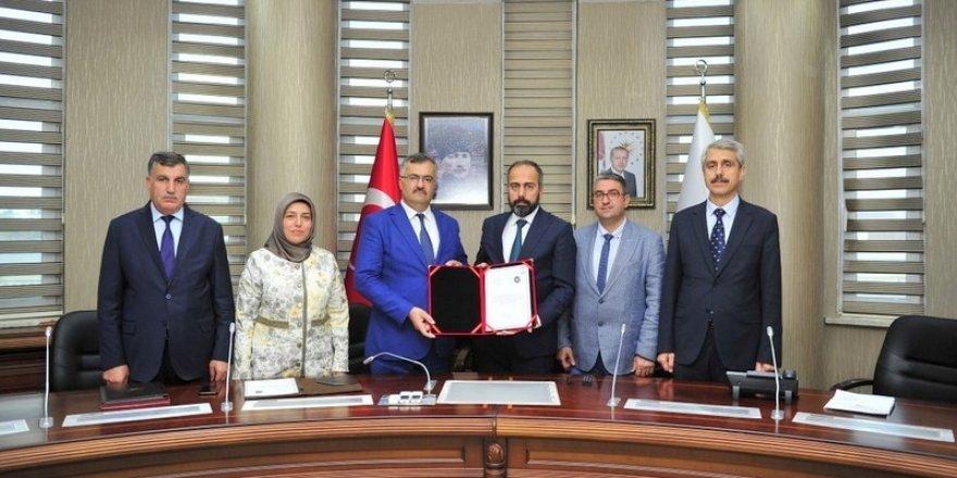 Van YYÜ ile Milli Eğitim Müdürlüğü arasında işbirliği protokolü