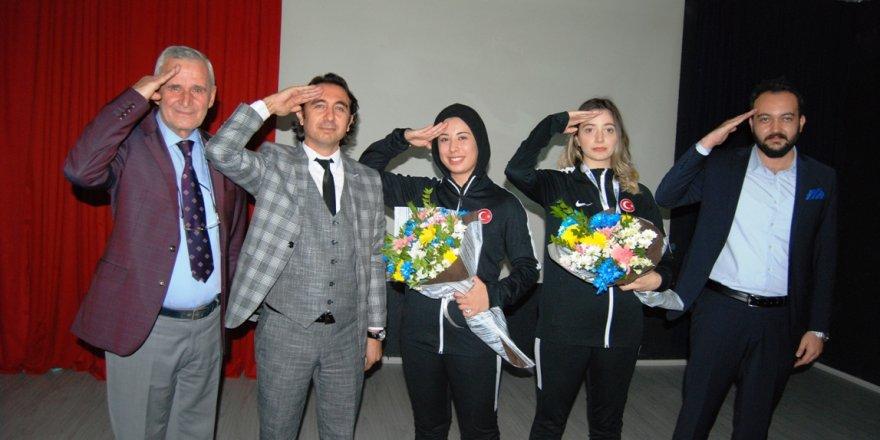İdeal Koleji'nden  şampiyonlara altın