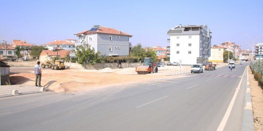Karaman Belediyesinde kaldırım ve asfalt çalışmaları