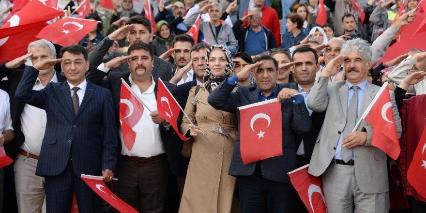 Mehmetçiğe Bergama'dan selam