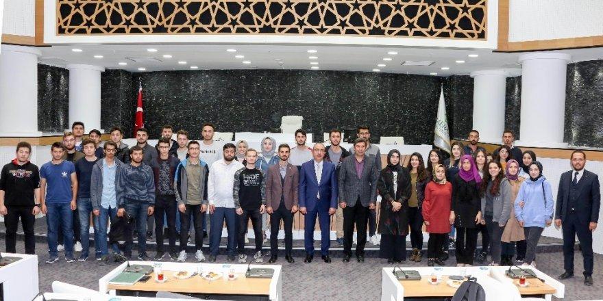 Başkan Kavuş, geleceğin inşaat mühendislerini ağırladı