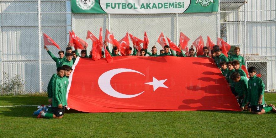 Konyaspor  Akademiden  kampanyaya destek