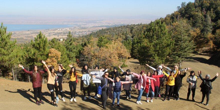 Beyşehir'de doğa yürüyüşü  etkinliği gerçekleştirildi