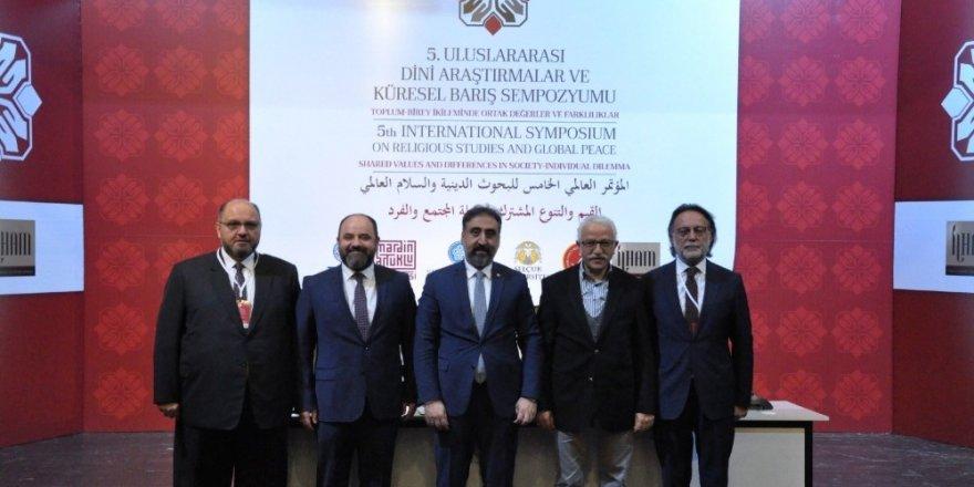 Uluslararası Dini Araştırmalar ve Küresel Barış Sempozyumunun sonuç bildirgesi açıklandı