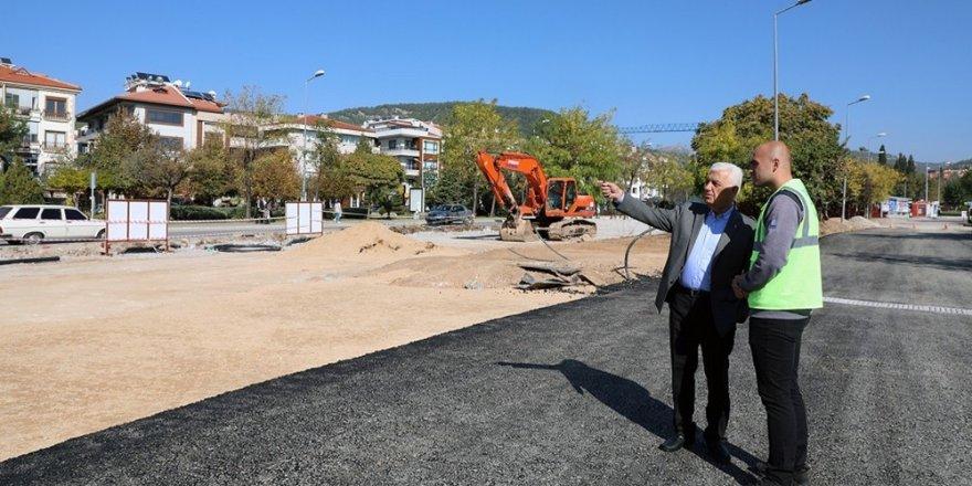 Başkan Gürün Menteşe'nin yol çalışmalarını inceledi