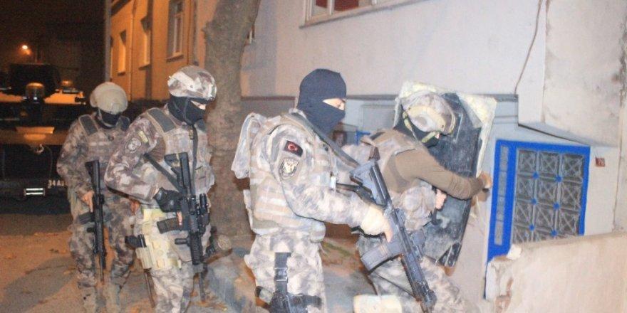Başakşehir'de uyuşturucu operasyonu 25 kişi gözaltı