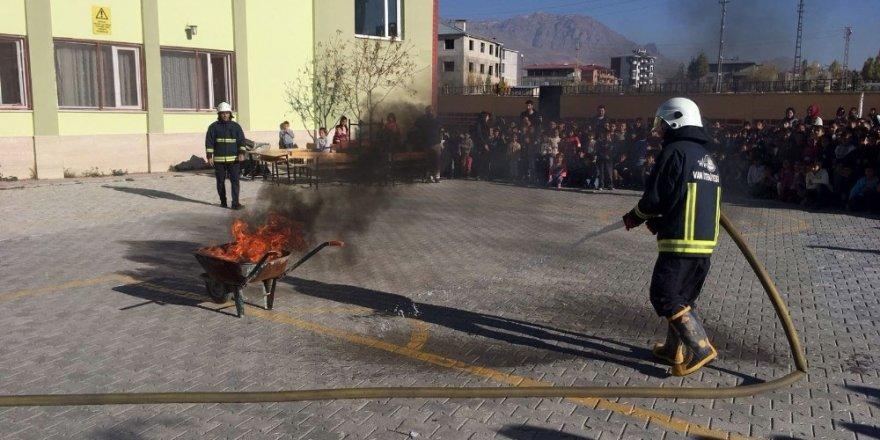 Van'da yangın ve deprem tatbikatı