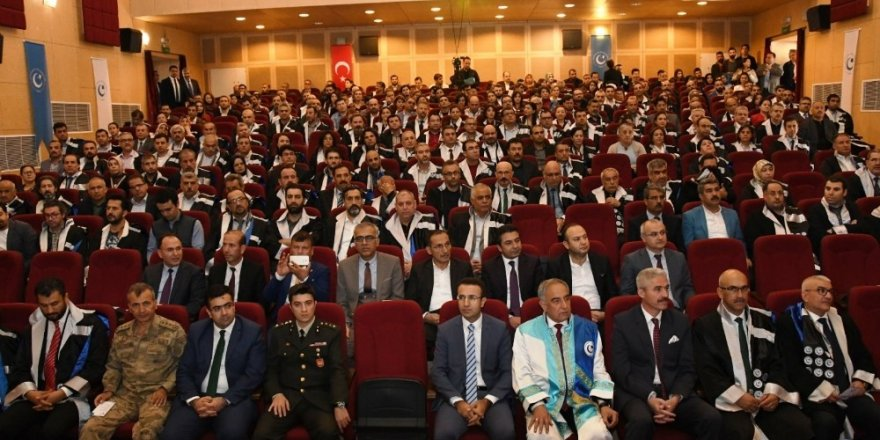 Adıyaman Üniversitesinde akademik yıl açılış töreni düzenlendi