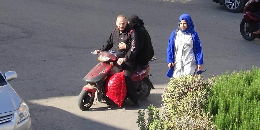 Kilis'te eşya ve yük taşınan motosikletler tehlikeye davetiye çıkarıyor