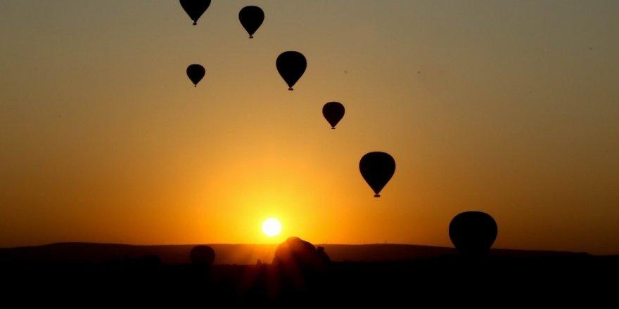 Kapadokya'da yarınki balon turları iptal edildi