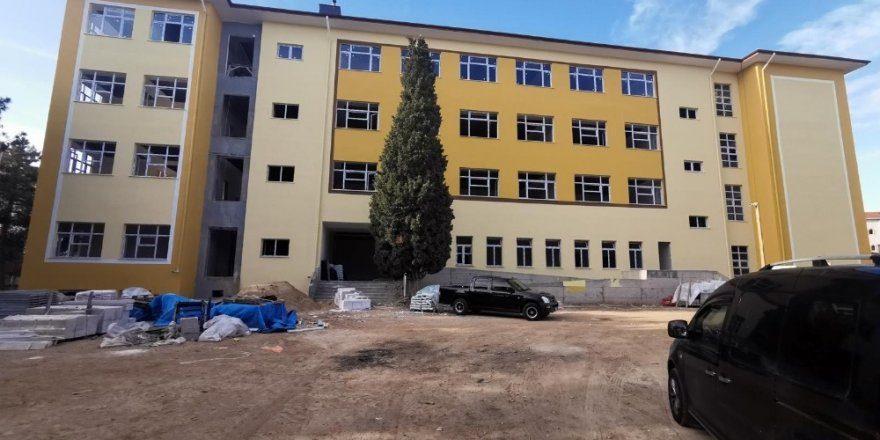 Babaeski'de lise inşaatı tamamlanmak üzere