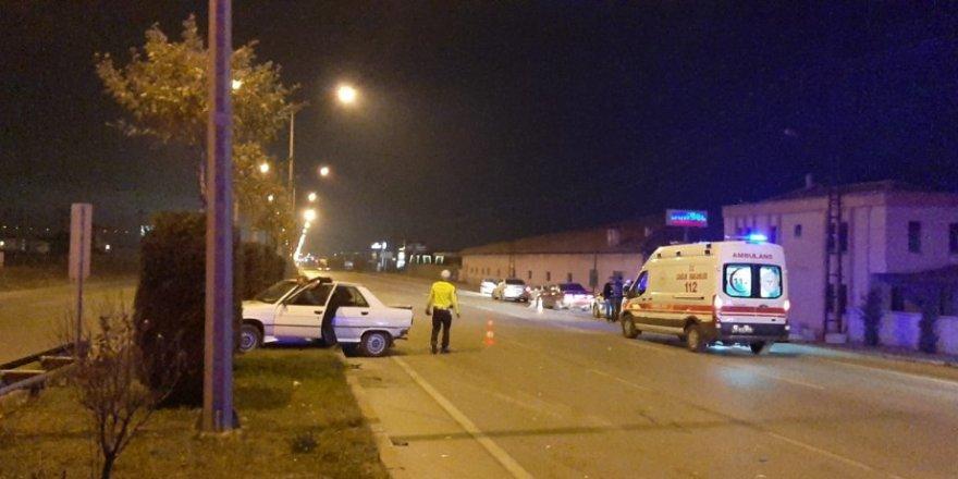 Çorum'da iki otomobil çarpıştı: 2 yaralı