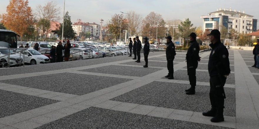 Bolu'da 11 FETÖ şüphelisi adliyeye sevk edildi