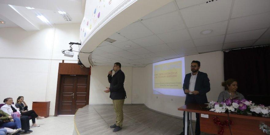 """Gaziantep'te """"Dijital Çağda Çocuk-Anne Tutumlarını"""" anlatıldı"""