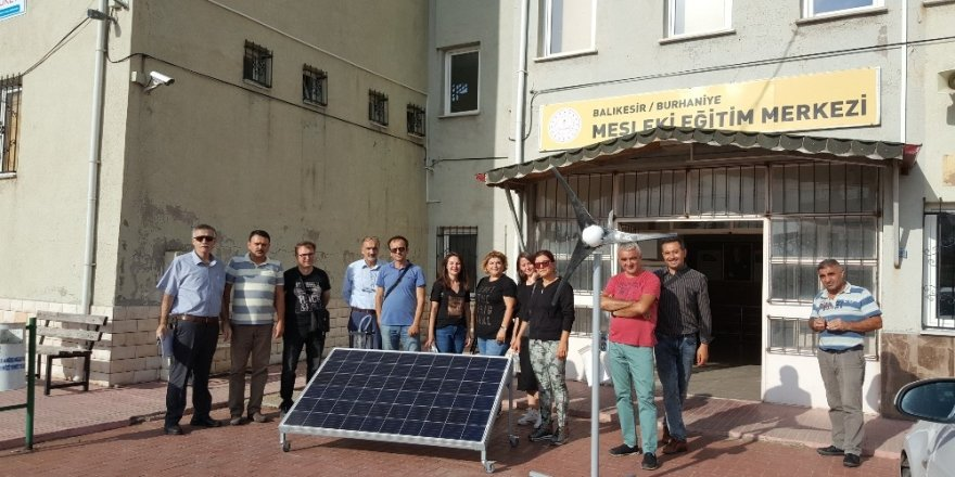 Burhaniye'de öğretmenlere yenilenebilir enerji eğitimi