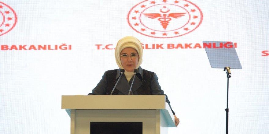 """Emine Erdoğan: """"Otizm söz konusu olduğunda, bütünleyici ve kaynaştırıcı eğitimin önemi tartışılmaz"""""""