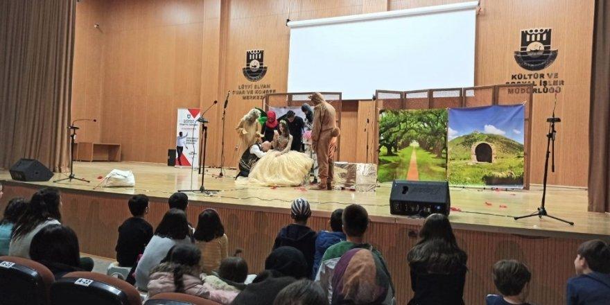 Karaman Belediyesi tiyatro günlerine yoğun ilgi