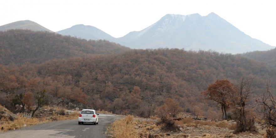 Hasan Dağı'na mevsimin ilk karı yağdı