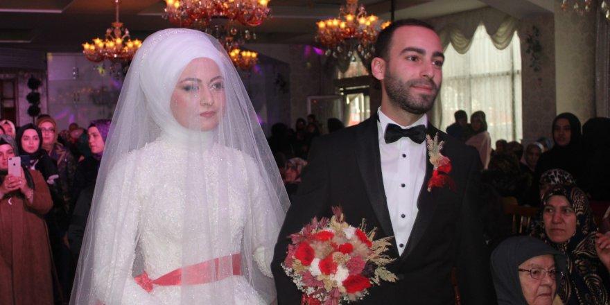 Ali Ataiyibiner oğlunu evlendirdi