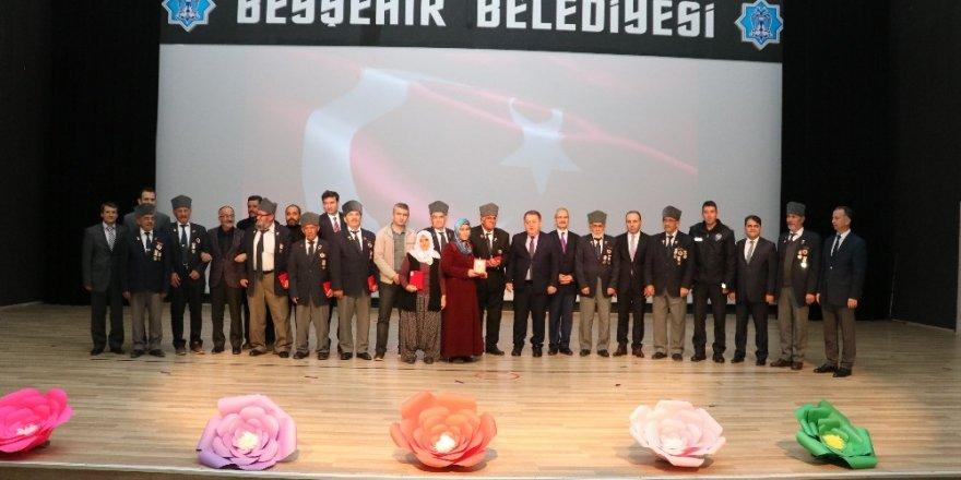 Beyşehir'de Kıbrıs gazilerine madalyaları verildi