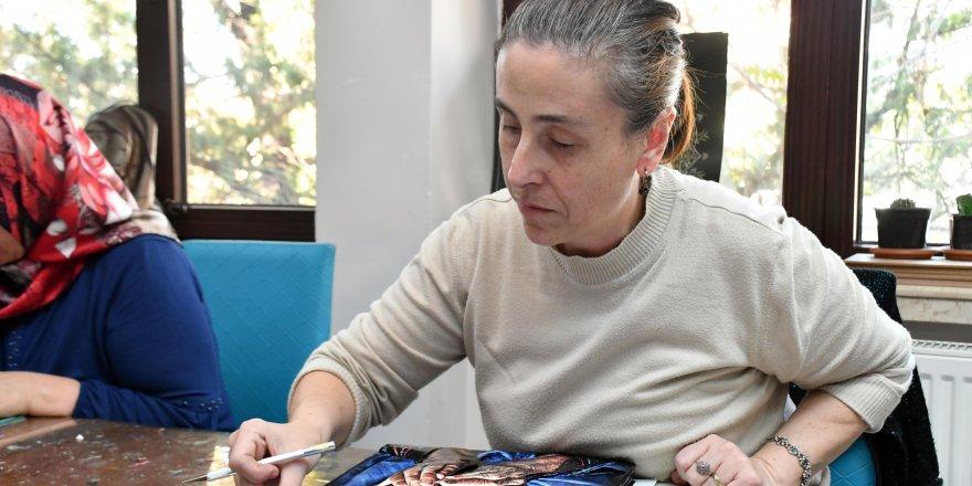 Kanser hastası 2 çocuk annesi AKMEK kursu ile geleceğe umutla bakıyor