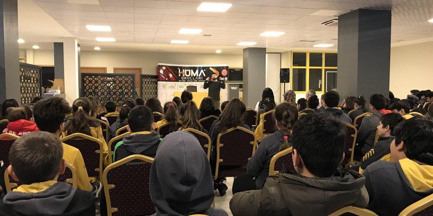 Yazar Tuğtağ Hüma Okullarında