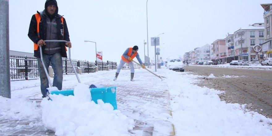 Karaman'da karla mücadele çalışmaları
