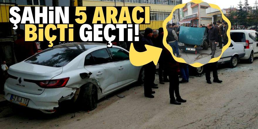 Konya'da şahin 5 araca çarptı: 3 yaralı
