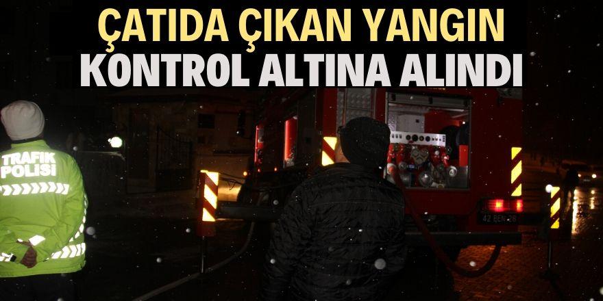 Beyşehir'de 4 katlı binanın çatısında çıkan yangın söndürüldü