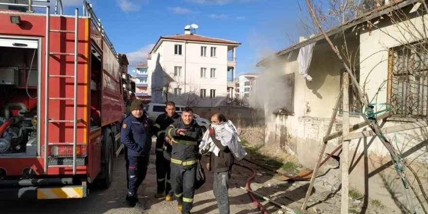 Aksaray'da müstakil evde yangın
